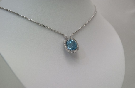 Collier Zircon bleu et diamants