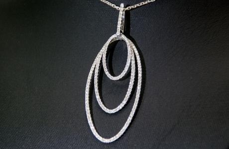 Pendentif 3 ovales or gris et diamants